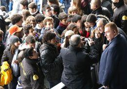 Florentino Pérez: toda una hora y media de fotos y autógrafos