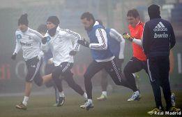 La niebla, protagonista del último entrenamiento del año