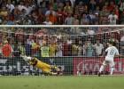 Los lectores de AS.com eligen a Casillas mejor portero de 2012