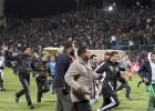 39 heridos en choques entre hinchas de fútbol en Egipto