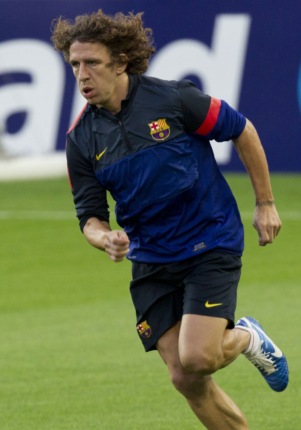 Valdés, con fascitis plantar, baja en la sesión matinal del Barça