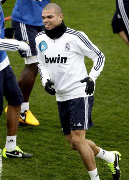 Pepe, operado esta mañana en Portugal de su tobillo derecho