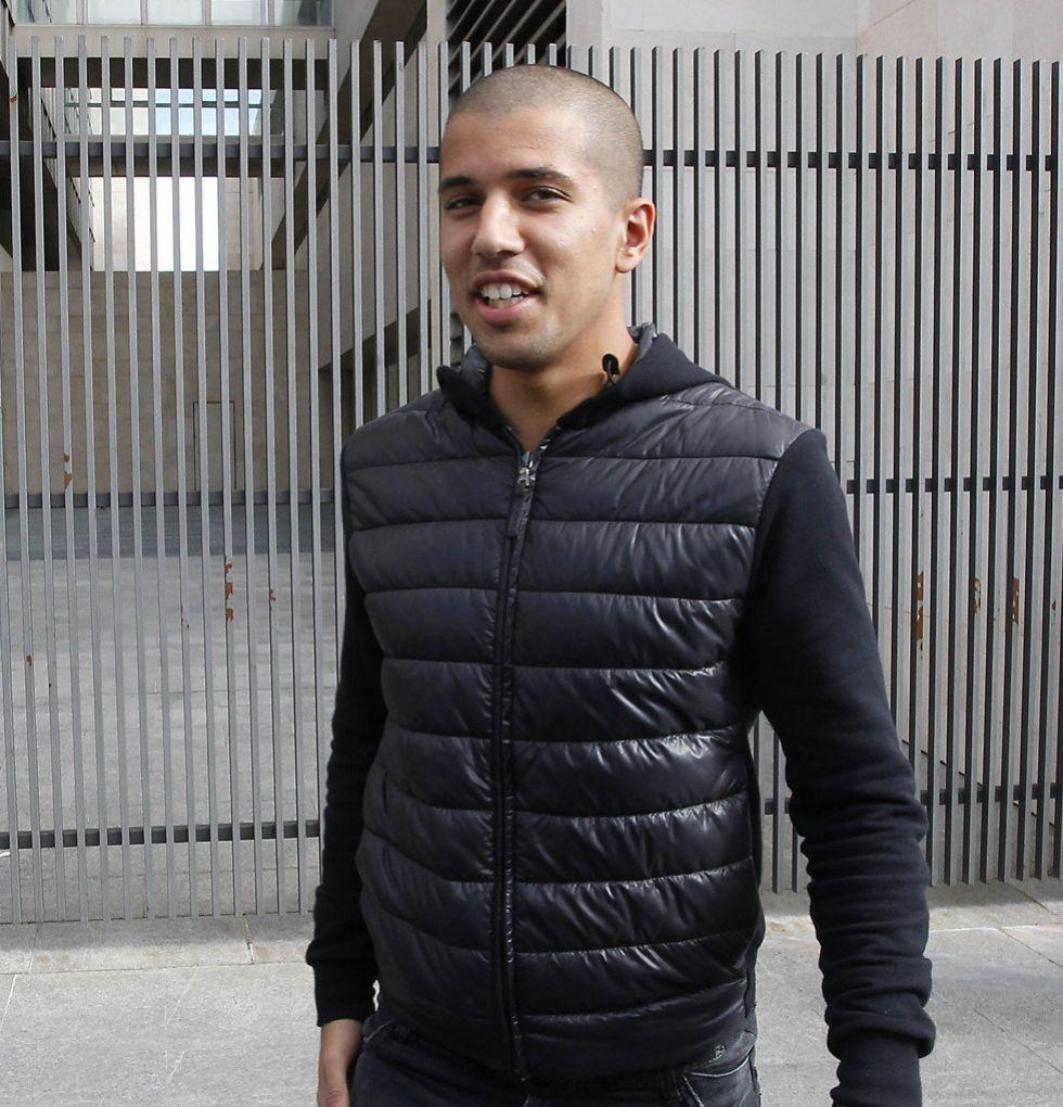 """Feghouli: """"En ningún futuro me veo fuera del Valencia"""""""