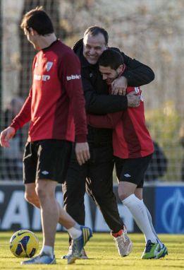 Bielsa confirma que De Marcos jugará de lateral izquierdo