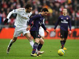 El Swansea liderado por Michu y el Arsenal, al desempate