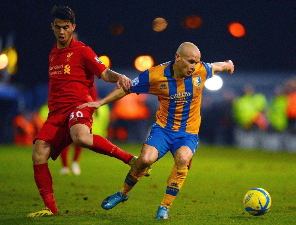Suárez y Sturridge meten al Liverpool en cuarta ronda