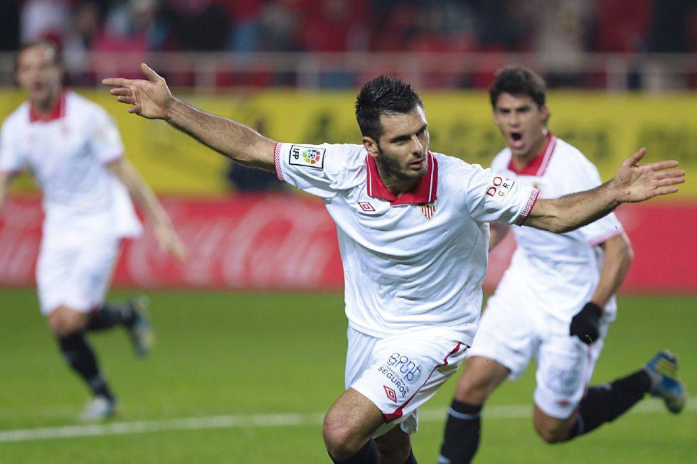 El Sevilla reacciona y deja a Osasuna como colista