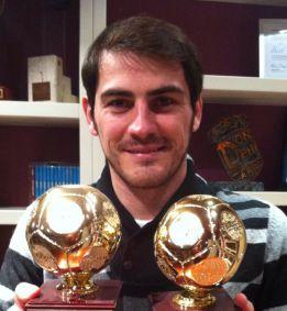 Ni Mourinho ni sus ayudantes felicitaron el sábado a Iker