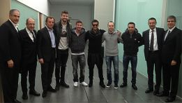 Messi e Iniesta viajan a Zúrich para la gala del Balón de Oro
