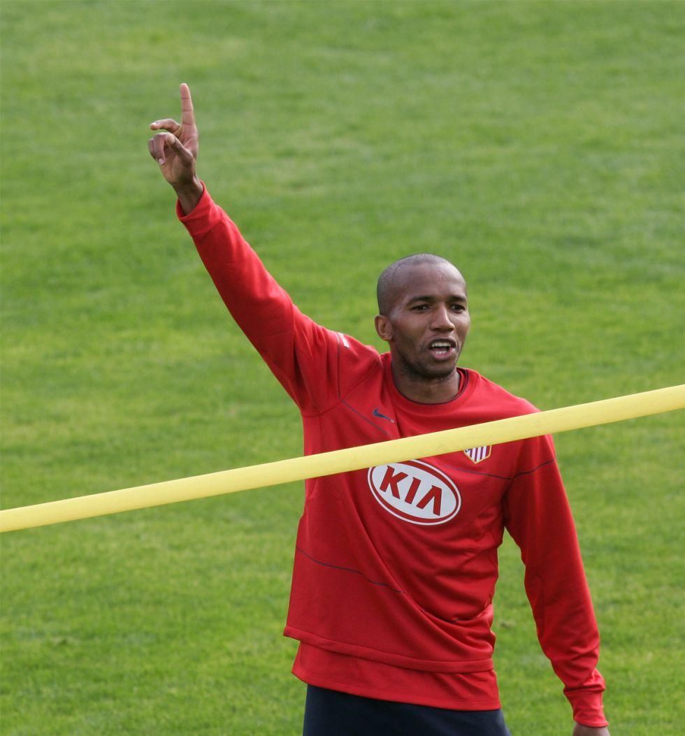 El Deportivo cierra el fichaje del brasileño Paulo Assunçao