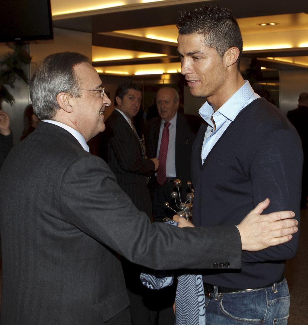 Florentino Pérez acompañó a Cristiano en el viaje a Zúrich