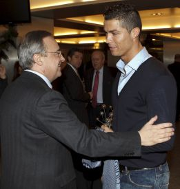 Florentino Prez acompa a Cristiano en el viaje a Zrich
