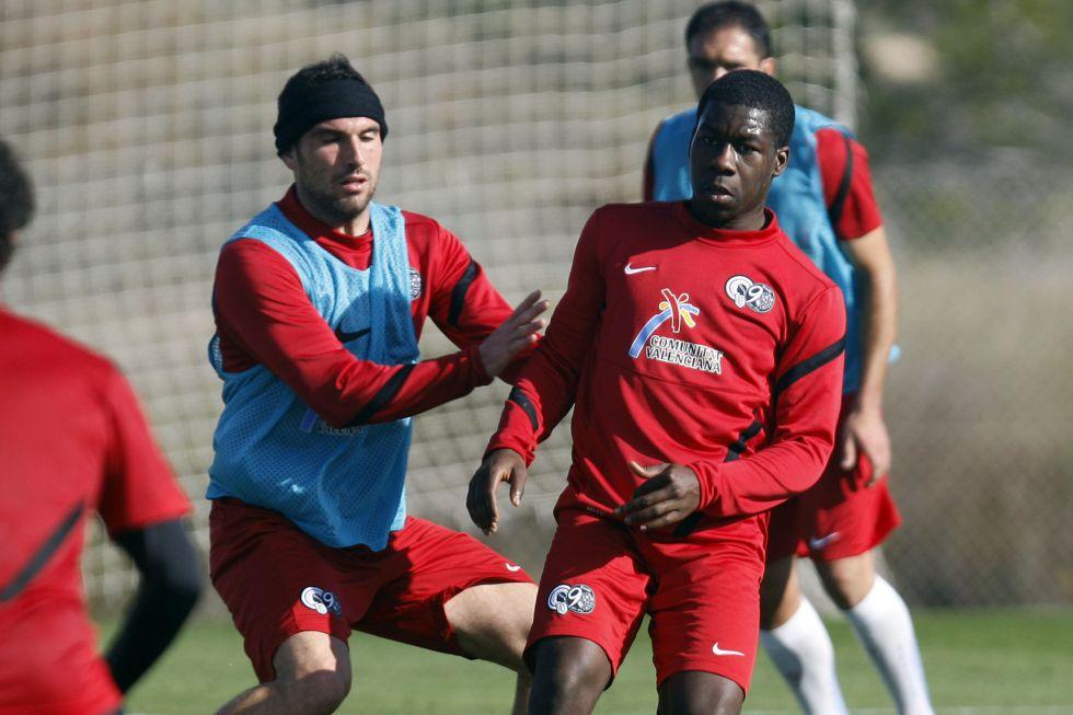 El holandés Sarpong rescinde su contrato con el Hércules CF