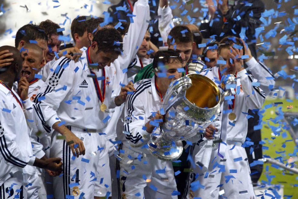 L' Equipe: Raúl e Iniesta, grandes olvidados del Balón de Oro