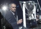 Mou, mejor entrenador de club del mundo por cuarta vez