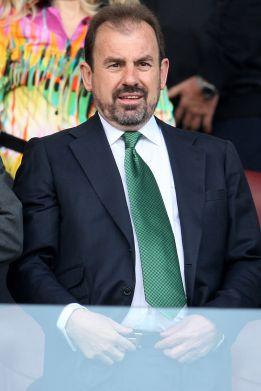 Ángel Torres se pone su corbata talismán para remontar al Atleti