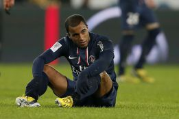 Lucas Moura debuta con un triste empate ante el Ajaccio
