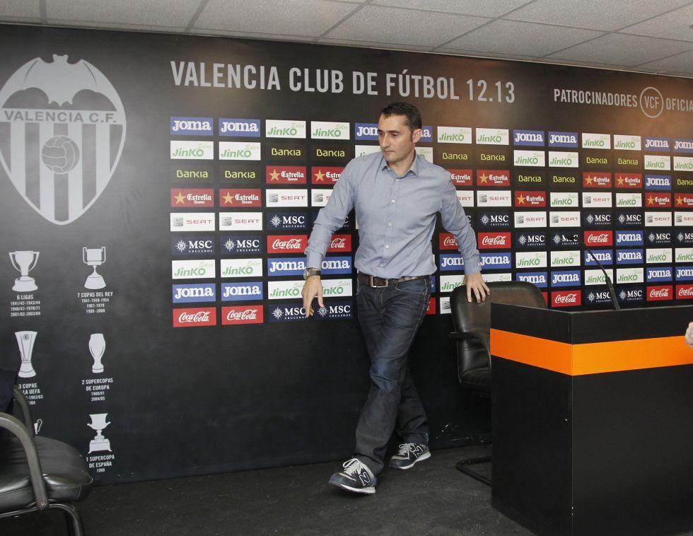 """Valverde sobre su continuidad: """"Mi trabajo es de alto riesgo"""""""