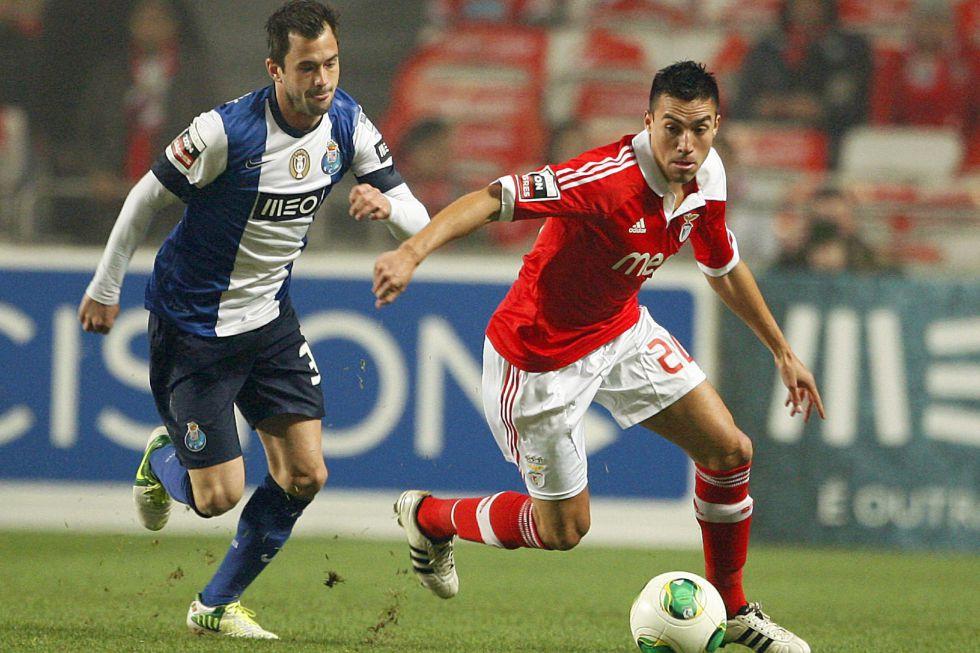 Benfica y Oporto empatan tras 17 minutos iniciales de locura