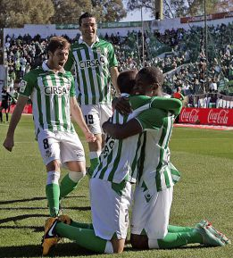 Campbell y Castro sitan al Betis cuarto provisionalmente