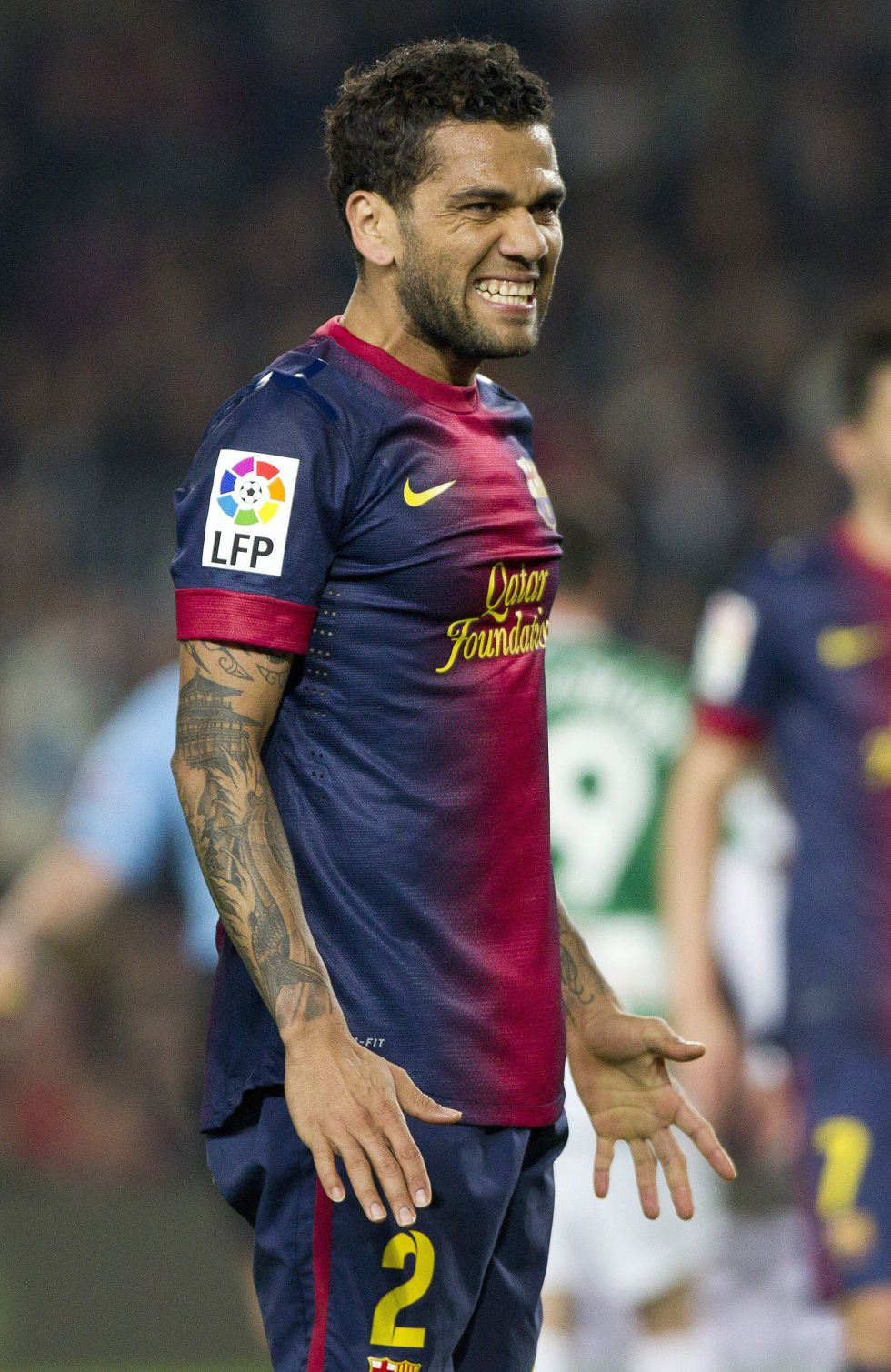 Alves y Mascherano son titulares
