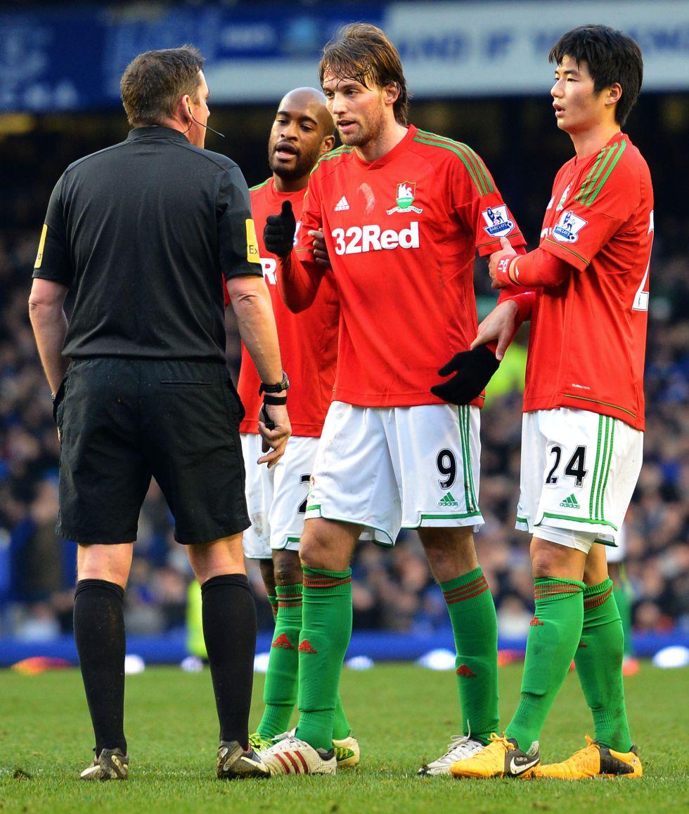 Vicente del Bosque siguió a Michu en el empate del Swansea