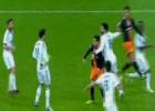 El Valencia pidió un penalti y una mano de Higuaín en el 2-0