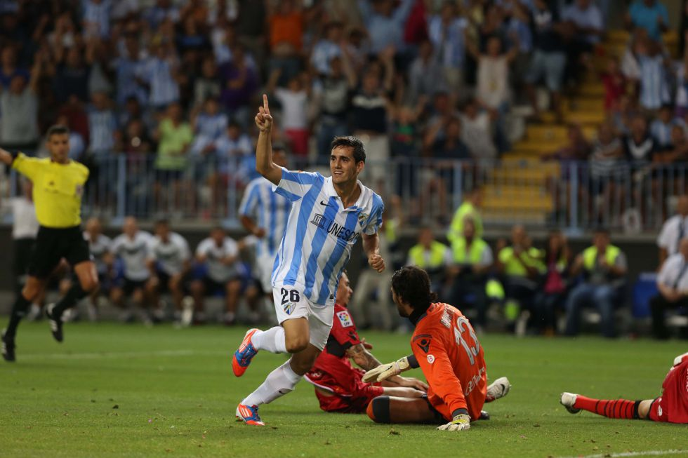 El Málaga cede a Juanmi hasta final de temporada al Racing