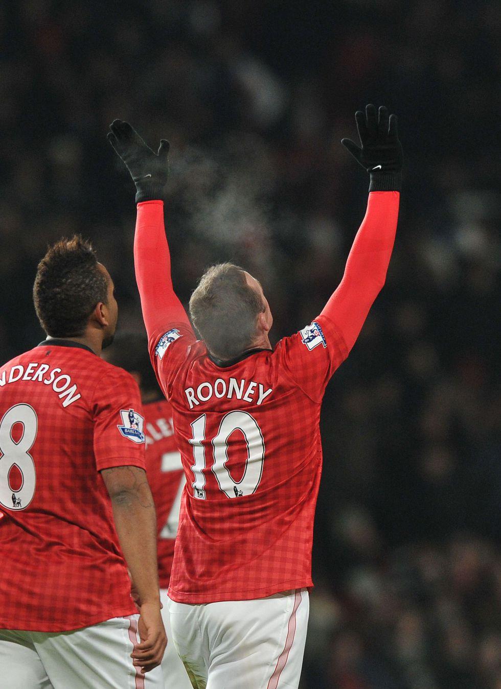 El Manchester gana con Rooney de vuelta y poco más