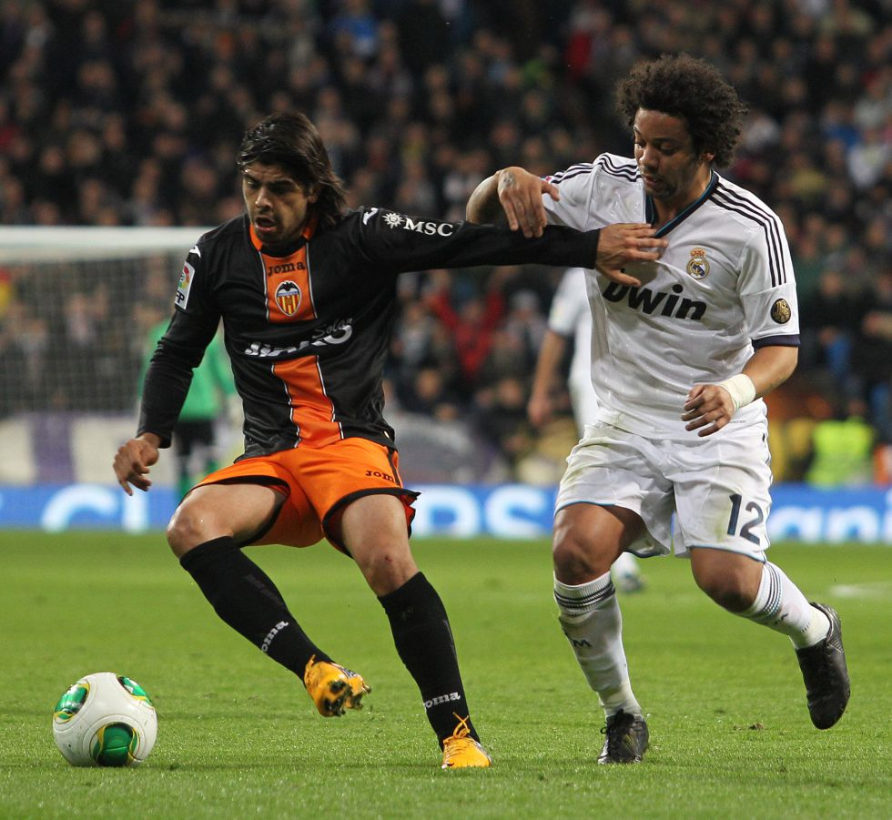 """Banega: """"Los árbitros no sólo perjudican al Real Madrid"""""""
