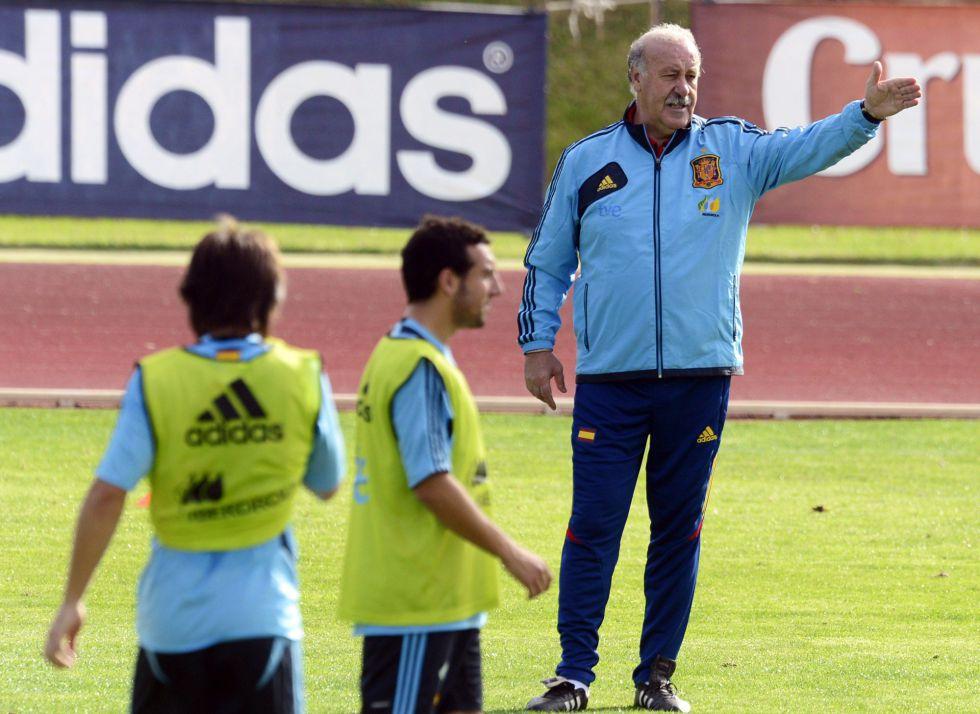 España sigue al frente de la clasificación mundial de la FIFA