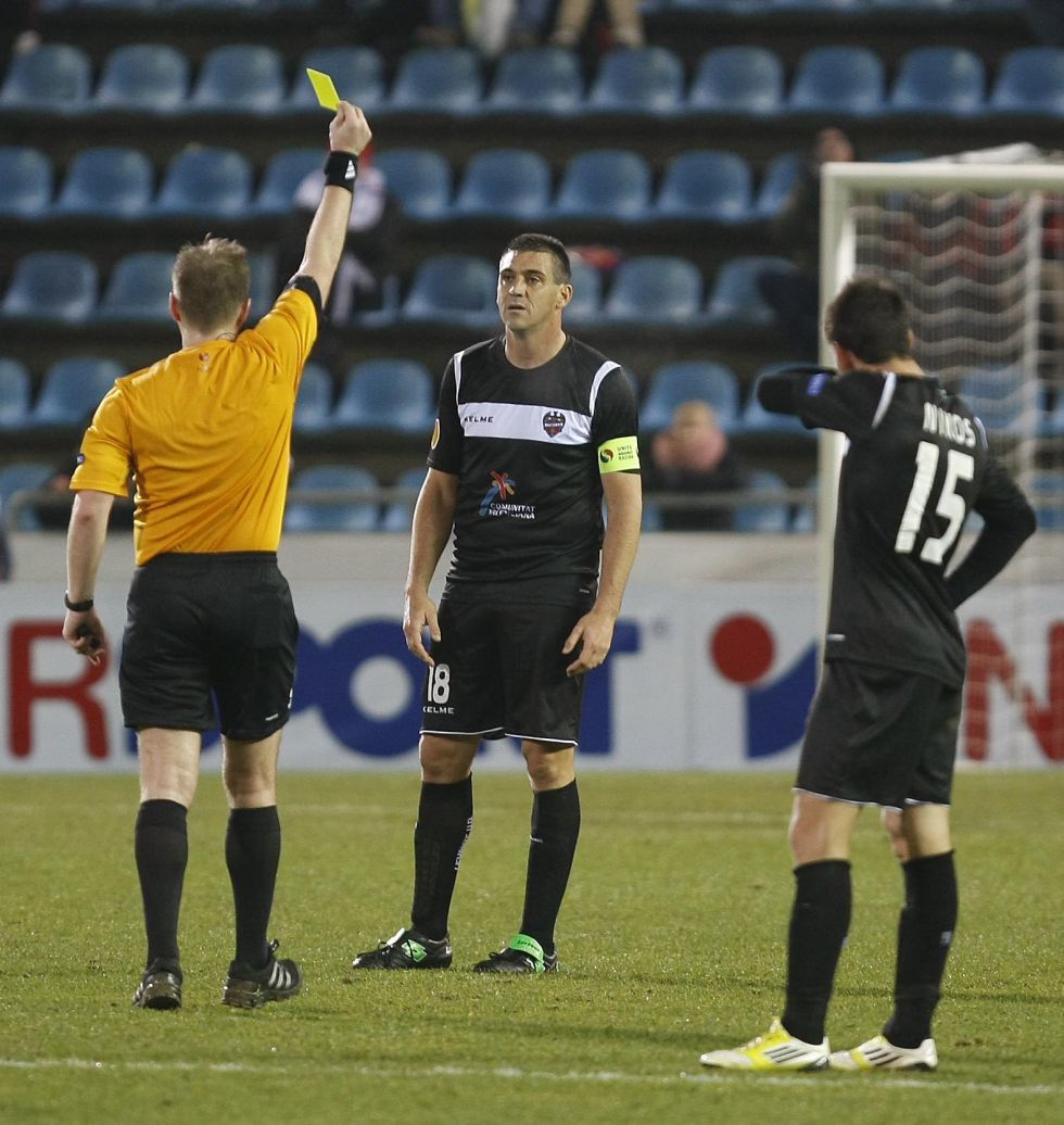 La UEFA castiga a Ballesteros