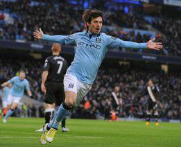 Silva guió al City al triunfo ante el Fulham marcando dos tantos
