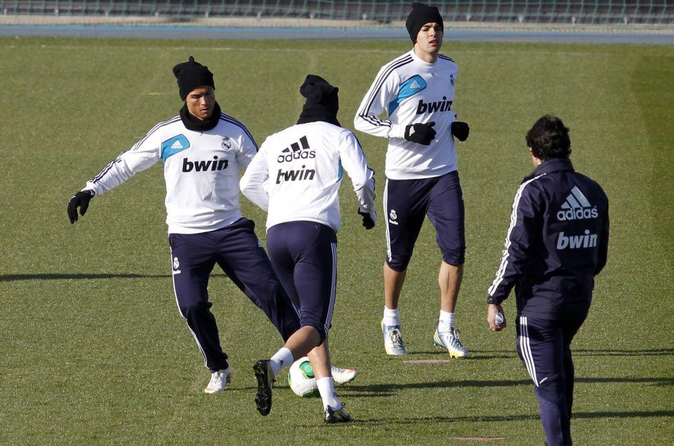 Kaká, sancionado, y Marcelo, por decisión técnica, no viajan