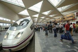 El temporal obliga al Sevilla a cambiar tren por avión