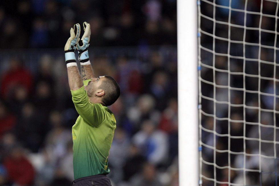 Once de gala en el Barça en Anoeta con Valdés como titular
