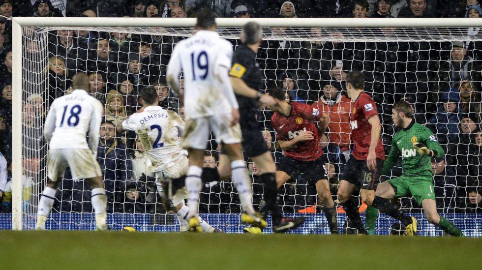 Dempsey empató en el 92', pero De Gea salvó al Manchester