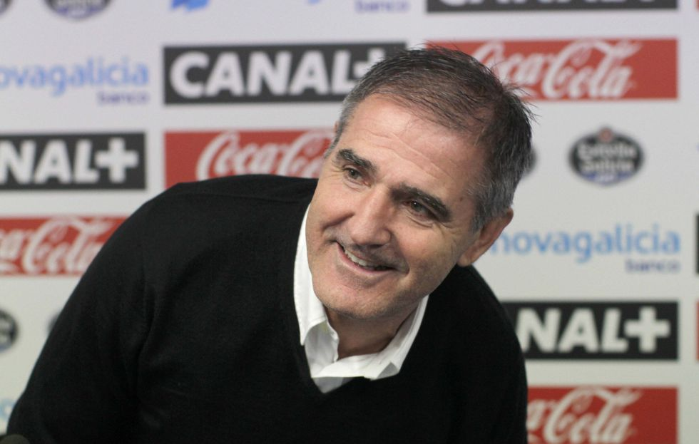 Paco Herrera se muestra satisfecho por el punto