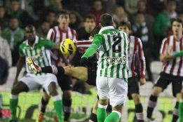 Betis y Athletic reclamaron penaltis a Ayza Gámez