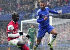 Ashley Cole renueva con el Chelsea por una temporada