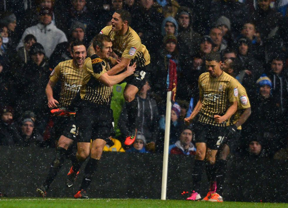 Un sorprendente Bradford gana al Aston Villa y jugará la final