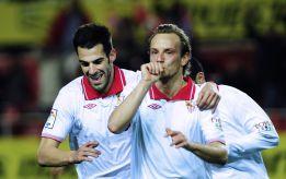 El Sevilla arrolla a un Zaragoza en inferioridad y es semifinalista