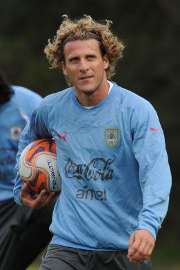 Forlán vuelve con Uruguay para el amistoso contra España