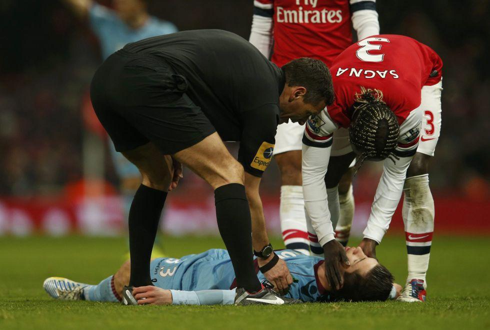 Daniel Potts se queda sin conocimiento en el Emirates