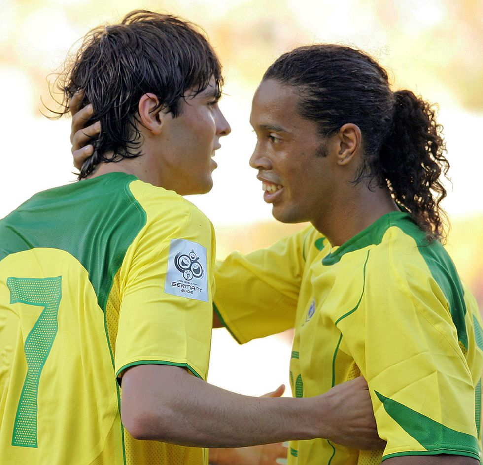 Ronaldinho le quita el sitio a Kaká en la revolución de Scolari