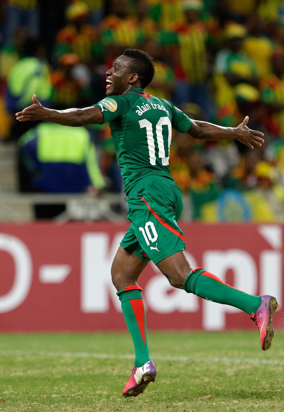 Traoré lidera a Burkina Faso y es máximo goleador del torneo