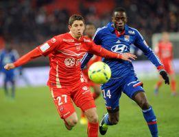 El Lyon recupera el liderato tras vencer al Valenciennes