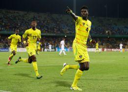 Adebayor y Togo dejan fuera de la Copa de África a Argelia