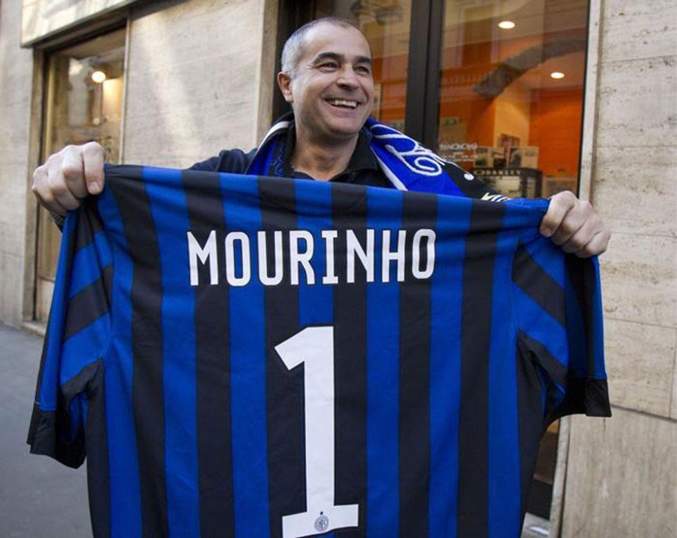"""El Inter y sus """"tifosi"""" felicitan a Mourinho por sus 50 años"""