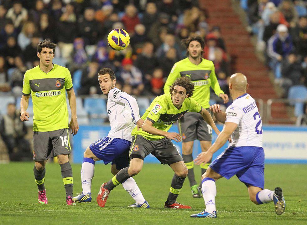 Zaragoza y Espanyol riñen con el fútbol y acaban en triste empate